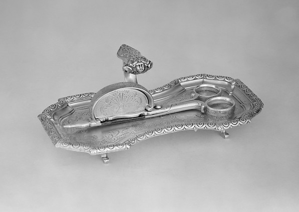 Snuffer tray with snuffers