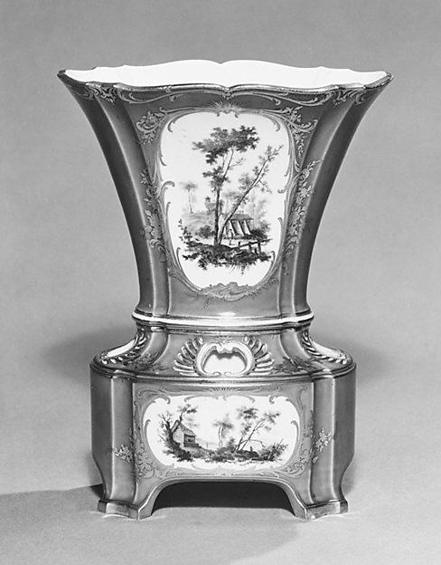 Flower vase (vase hollandais nouveau) (one of a pair)