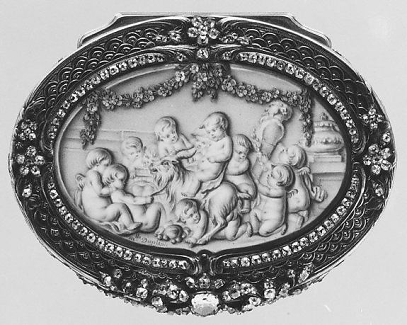 Snuffbox with six scenes of putti at play