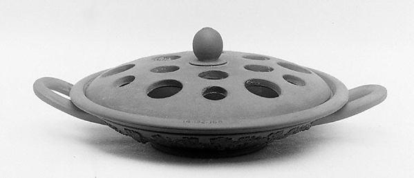 Pastille burner with cover