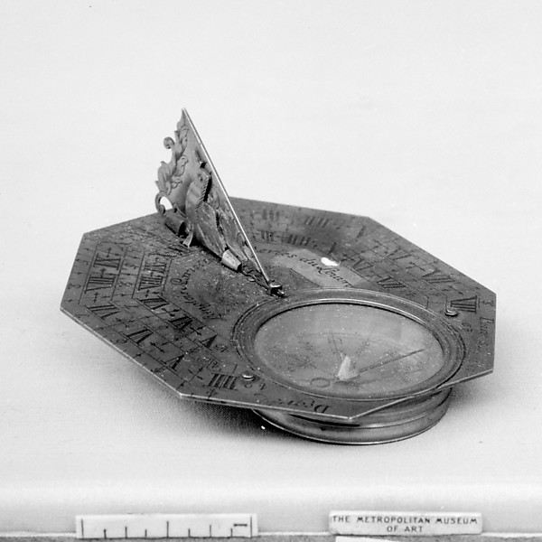 Portable horizontal sundial