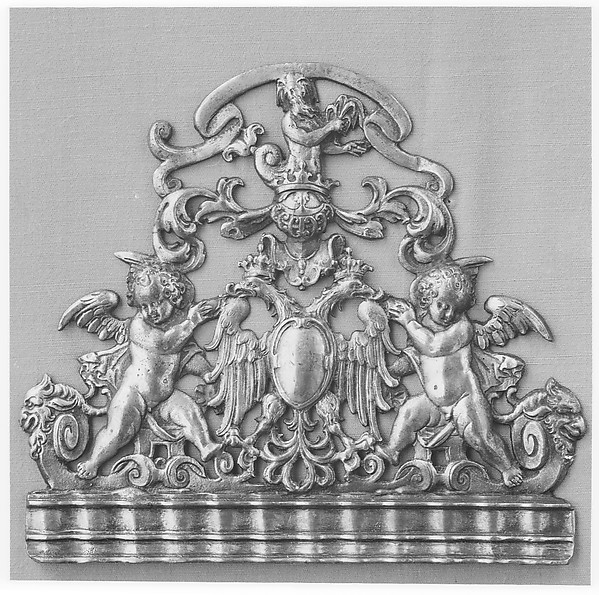 Clock pediment on fret