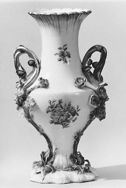 Vase (vase Duplessis) (group of three)