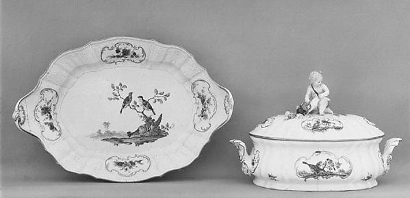 Tureen with cover and stand