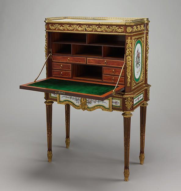Drop-front desk (secrétaire à abattant or secrétaire en cabinet)