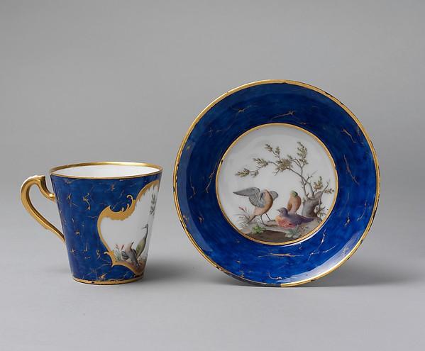 Cup and saucer (Gobelet à lait et soucoupe)