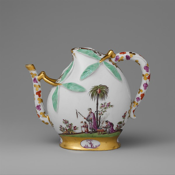 Teapot in the shape of a peach (cadogan type)
