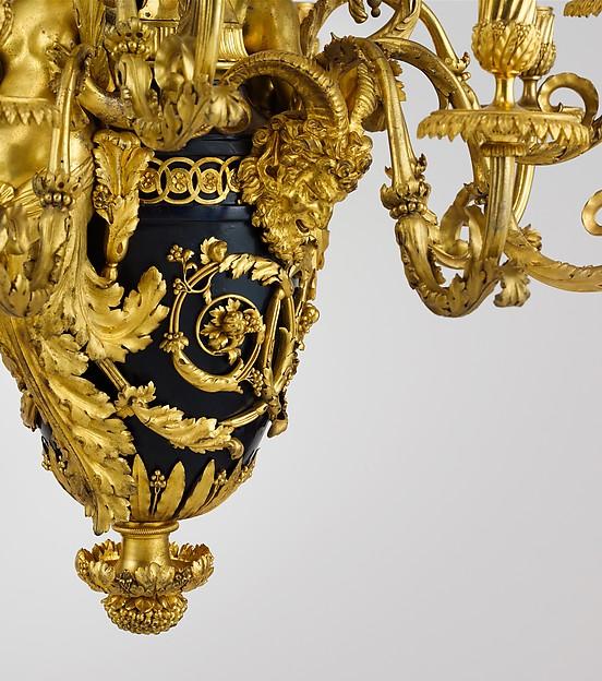 Twelve-light chandelier (lustre)