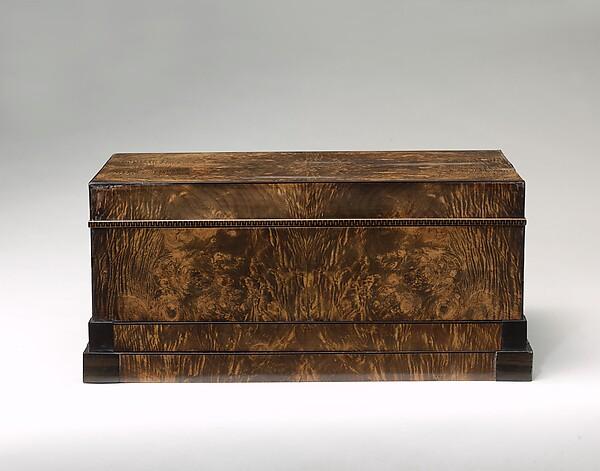 Mechanical casket