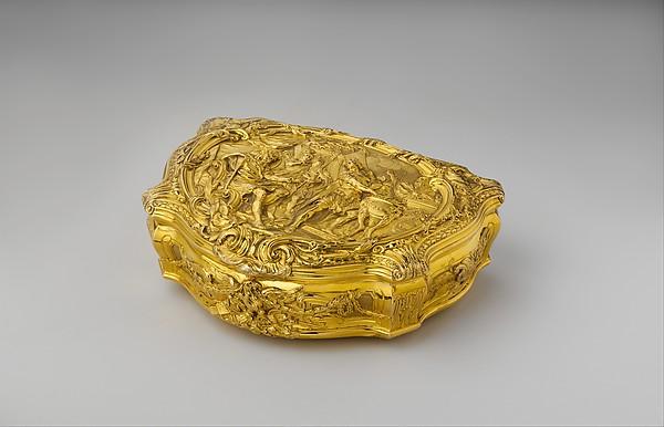 Box with scene depicting Roman hero Gaius Mucius Scaevola before the Etruscan king Lars Porsena