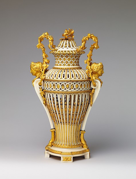 Vase with cover (Vase en ivoire) (one of a pair)