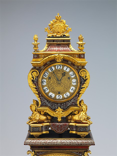 Clock with Pedestal