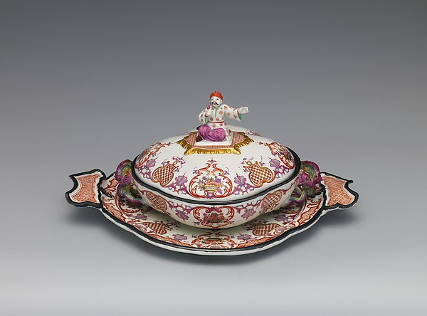 Small tureen and stand