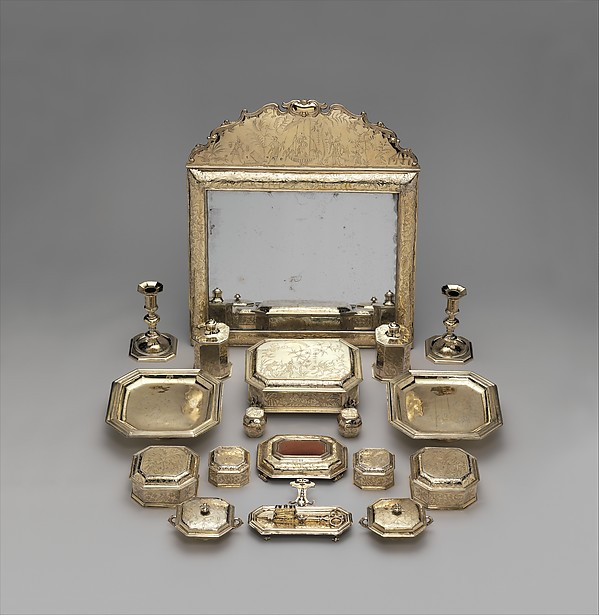 Pair of salvers (part of a toilet service)