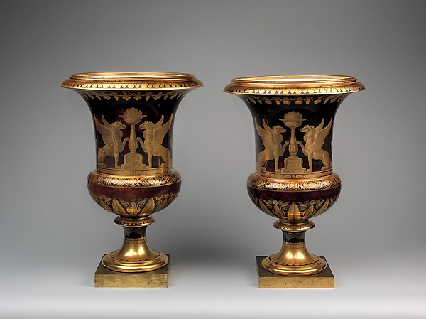 Pair of Medici Vases with scenes of Chateau and Park at Saint-Cloud