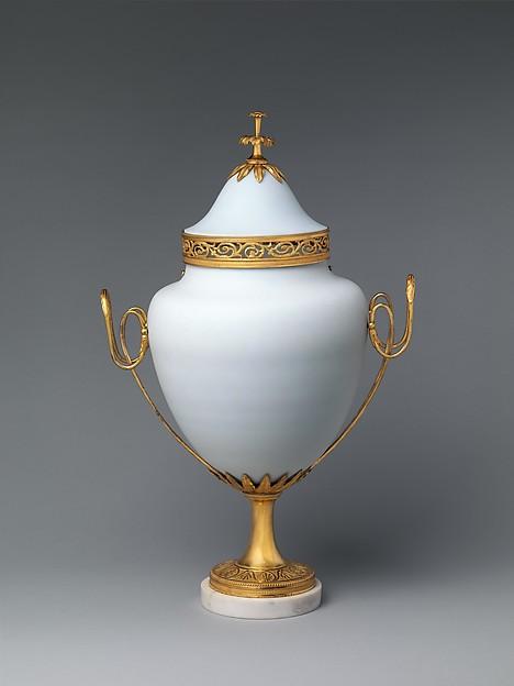 Potpourri vase