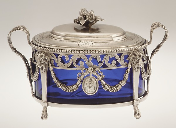 This is What French Paris culture and Sugar bowl with cover Looked Like  in 1779