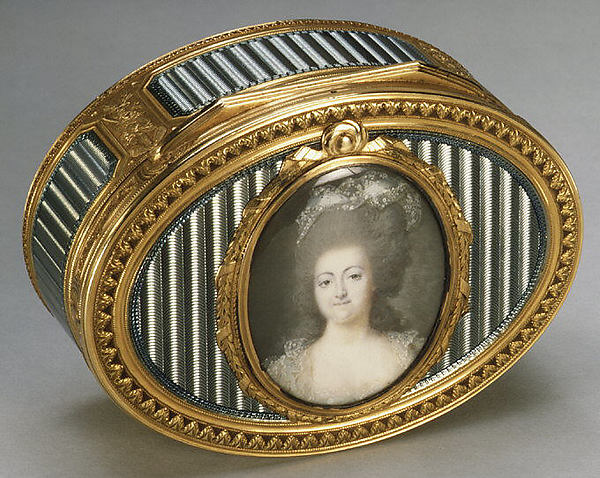 Snuffbox with portrait of a woman