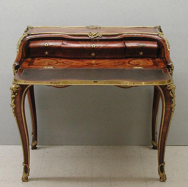Slant-top desk (Secrétaire en pente)