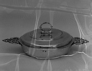 Dish with cover (Écuelle)