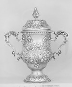 Two-handled loving cup with cover