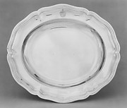 Platter (one of a set, of graduated sizes)