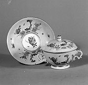 Porringer with cover and stand