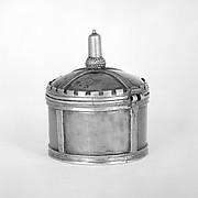 Circular box with hinged cover