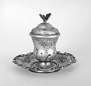 Urn-shaped cup with cover