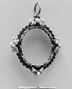 Frame pendant