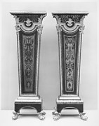 Pair of pedestals (Gaînes)