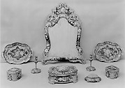 Eighteenth-century-style toilet set