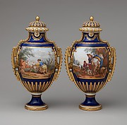 Vase with cover (Vase à panneaux or à perles) (one of a pair)