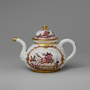 Teapot with equestrian scene