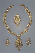 Parure comprised of a necklace, a pendant, and a pair of earrings (assembled)