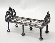 Miniature daybed