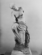 Marble statue of a seated muse