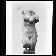 Marble statuette of Aphrodite Anadyomene (rising)