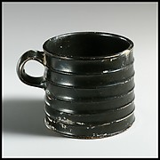 Terracotta mug with horizontal rills