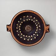 Terracotta lekanis (dish)