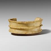 Fragmentary alabaster stemmed bowl