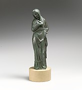 Statuette of a woman