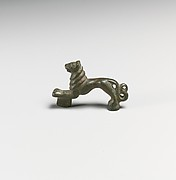 Handle in the form of a lion