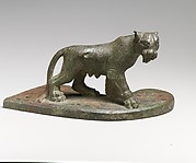 Bronze statuette of a pantheress