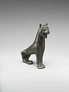 Bronze statuette of a lion
