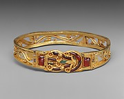 Gold armband with Herakles knot