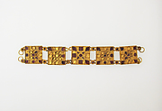 Bracelet with glass inlay