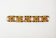 Bracelet with glass inlay