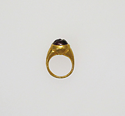 Ring with intaglio of a bird