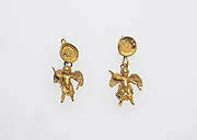 Earring with pendants of Eros